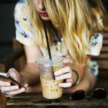 Los signos del Zodiaco más adictos las redes sociales